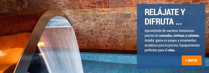 Cascadas, caños y cortinas de agua para tu piscina